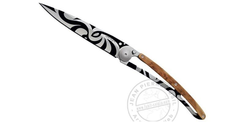 Couteau DEEJO TATTOO 37g - Motif MAORI - Genévrier